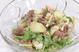 《キューピー3分クッキング》さばみそ煮缶と香菜のポテトサラダ(ワタナベ マキ)