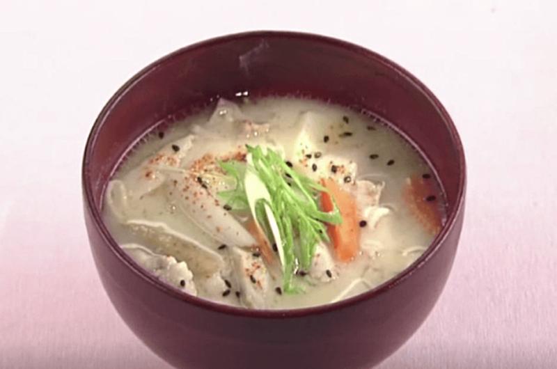 豚肉と根菜の粕汁(岡本健二)