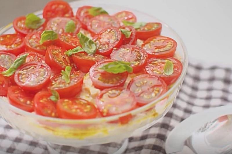 トマトと豆腐のふんわりカプレーゼ(栗原はるみのキッチン日和)