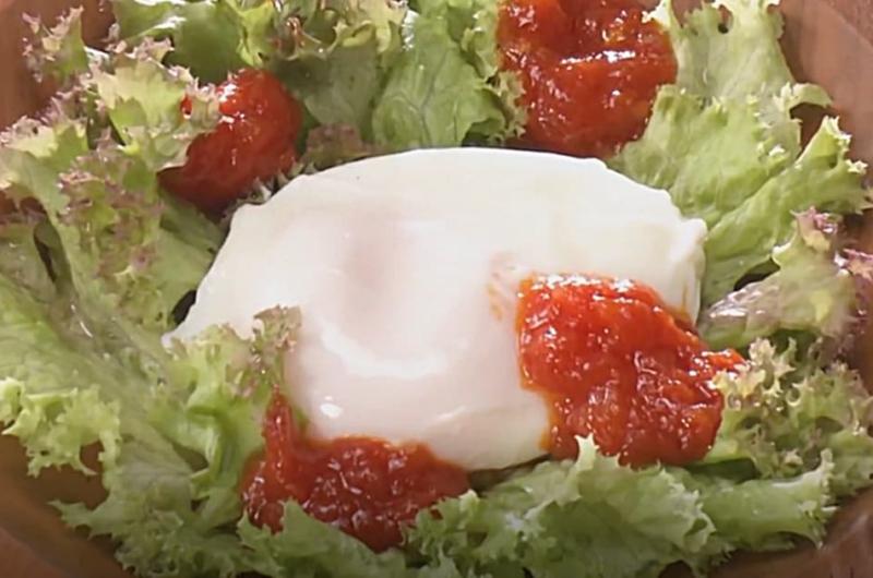 トマトドレッシングのレタスサラダ(ストック食材でおいしくヘルシー)