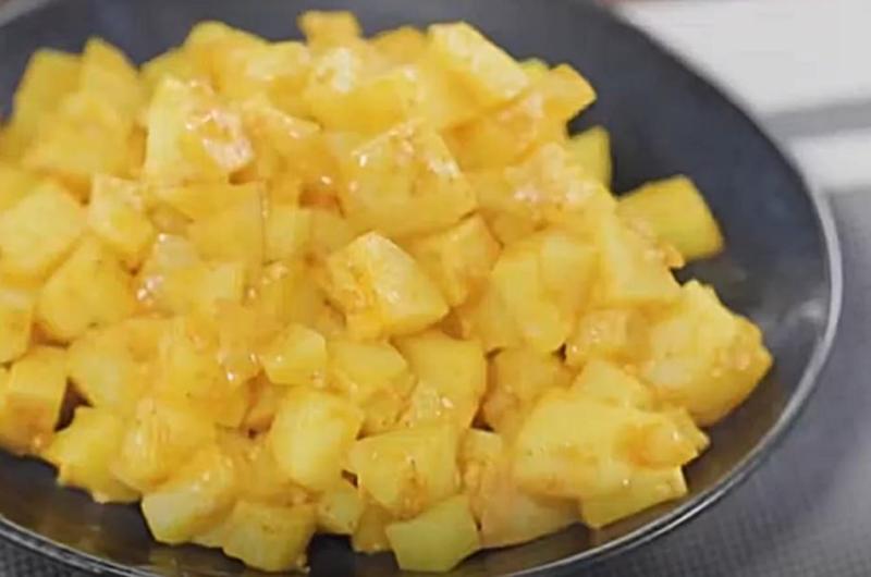新ジャガイモのすりごまナムル(スパイスで!さっぱりレシピ:印度カリー子)