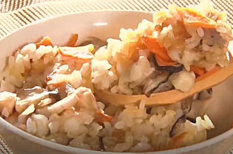 鶏と根菜の混ぜ込みごはん(年100さん:ろこさんの冷凍コンテナごはん)