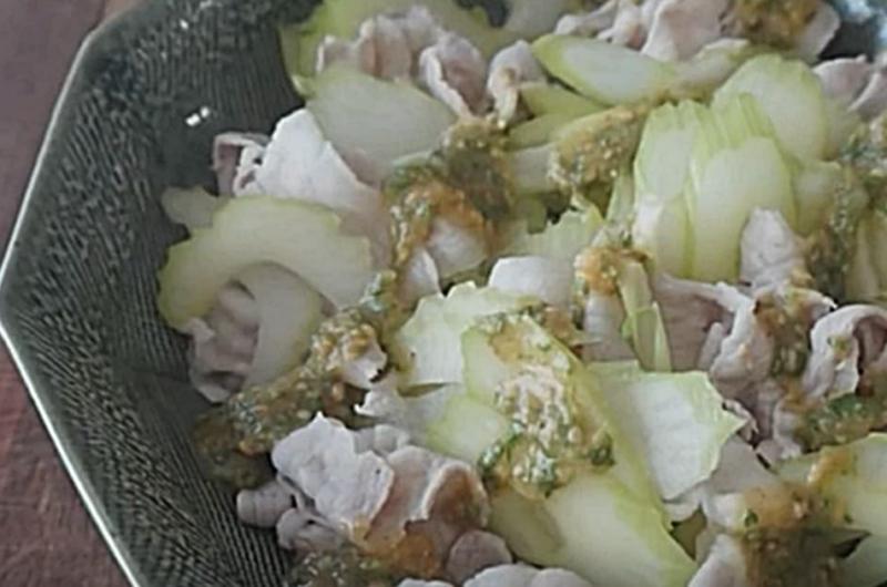 セロリと豚しゃぶのごまみそサラダ(きじまりゅうた)
