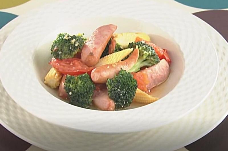 野菜とソーセージの蒸し煮(小池浩司)