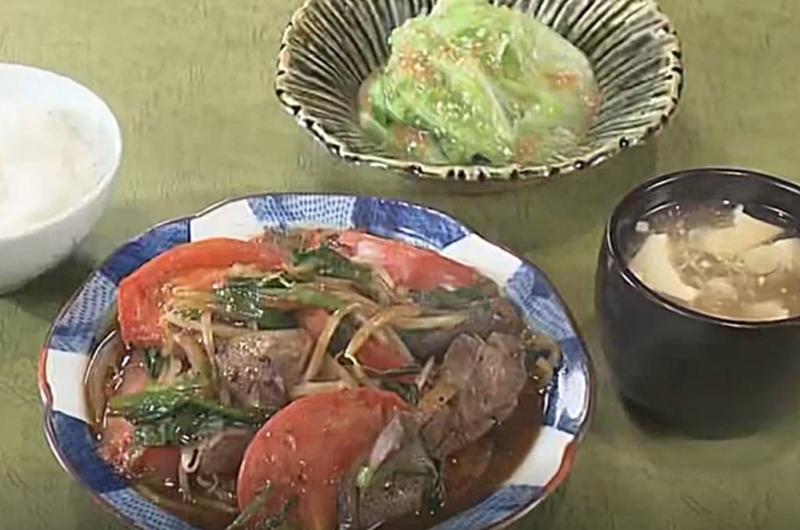 レタスの湯引き 梅ソース(笠原将弘のきょうのA定食:トマトレバにら炒め定食)