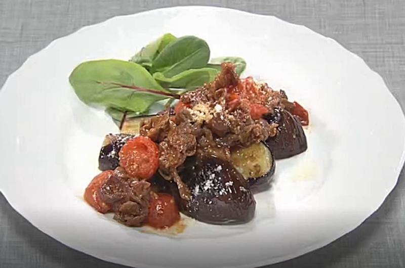 なすステーキの簡単ミートソース(体にやさしい なすレシピ:小田真規子)