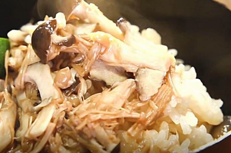 きのこスペシャルご飯(コンビニ食材でワンランクUP!炊き込みご飯:藤井恵)