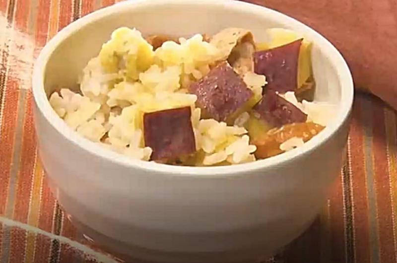 サツマイモ甘辛炊き込みご飯(秋の味覚「カボチャ」VS「サツマイモ」:渥美まゆ美)